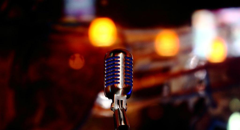 歌うためのマイク