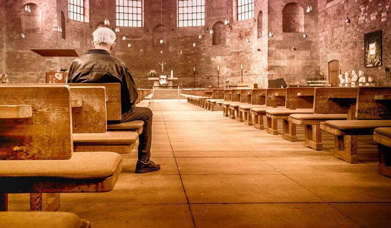 神父と教会